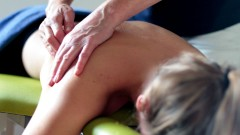 Massage skuldra